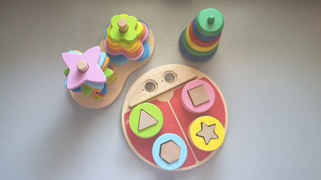 Zabawki dla dziecka. Drewniane układanki, sorter. OBALL wieża i piłka