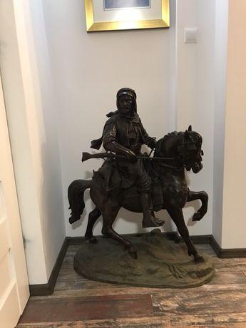 Figura z Brązu Hiszpan  na Koniu