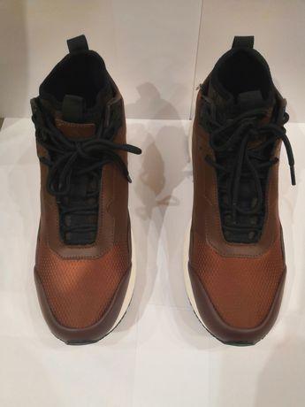 Продам кроссовки высокие мужские sprinter mid M коричневый