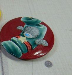 детский металлический круглый значок мишка тедди теддик teddi