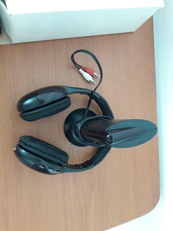 Radio com headphones