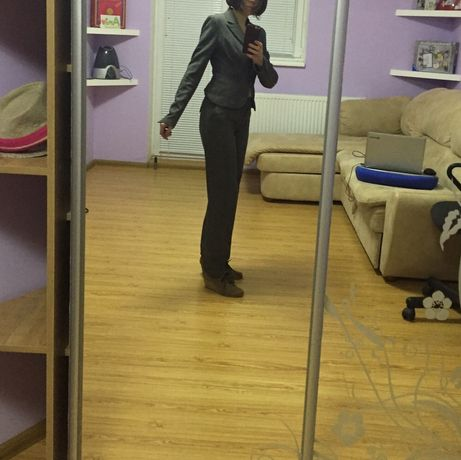 Офисный женский костюм
