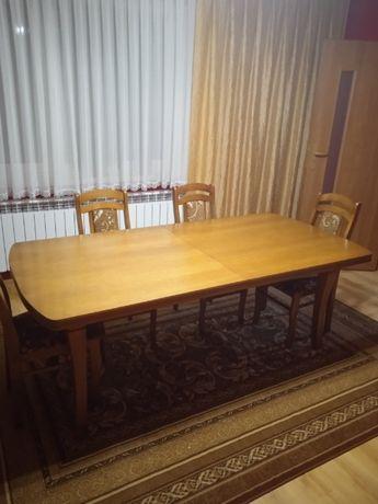 Stół rozkładany duży z krzesłami