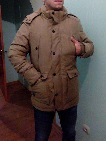 Бежевая стильная куртка (парка).