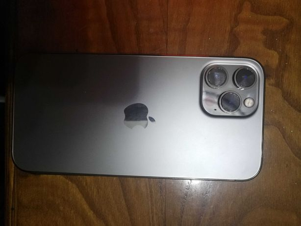 """Iphone 12 pro max """" sem arranhoes """" esta novo , (((PARA PEÇAS)) !!!"""