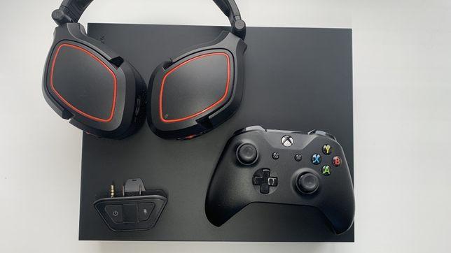Xbox one x + навушники з 7.1 звуком