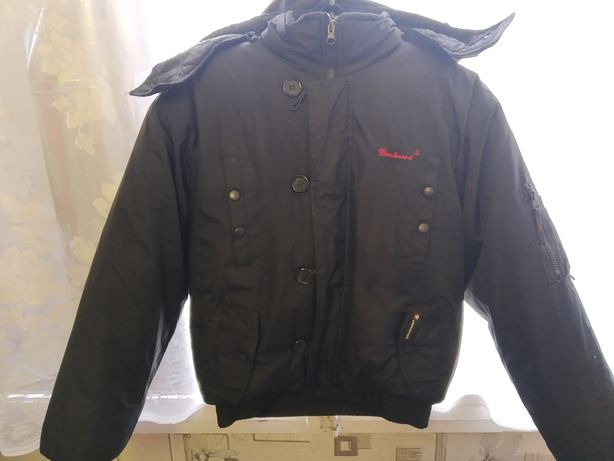Куртка зимняя на мальчика ,в отличном состоянии, все замки рабочие.