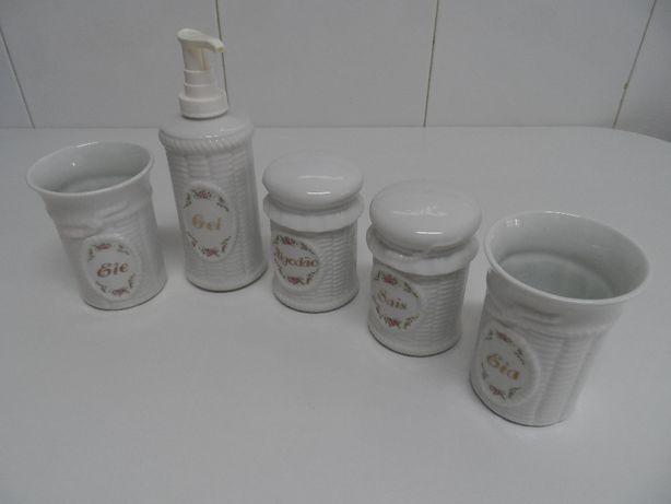 Conjunto vintage peças decorativas de casa de banho da Royal Porcelain