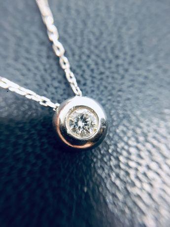 Золотой кулон с натуралиным бриллиантом 0.11 карат и цепочкой. Колье.
