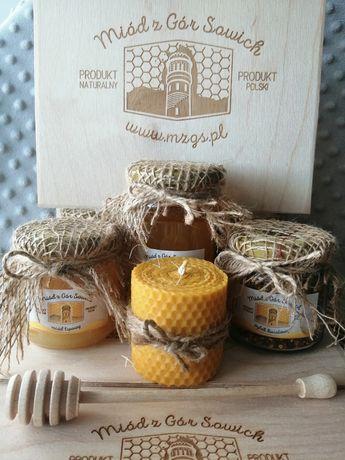 Zestaw prezentowy eko prezent miód pyłek pszczeli wosk miodownik drewn