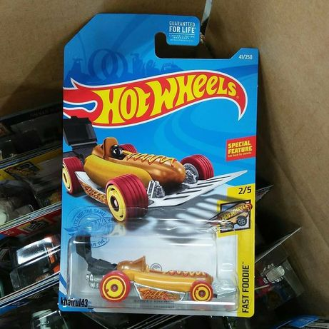 Hot Wheels Treasure Hunt 2021 street wiener новая машинка