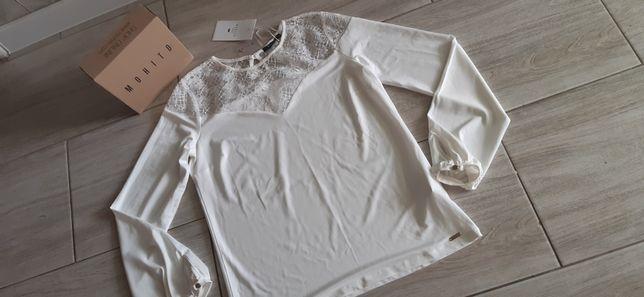 Śliczna nowa bluzka z koronkowym dekoltem Mohito. Rozmiar M.