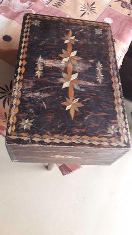 Drewniana szkatula, skrzynia, pudelko