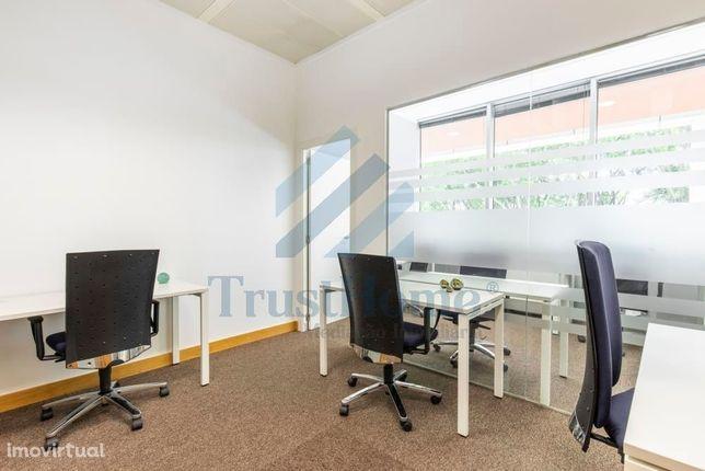 Espaço para escritórios localizado na Quinta da Fonte