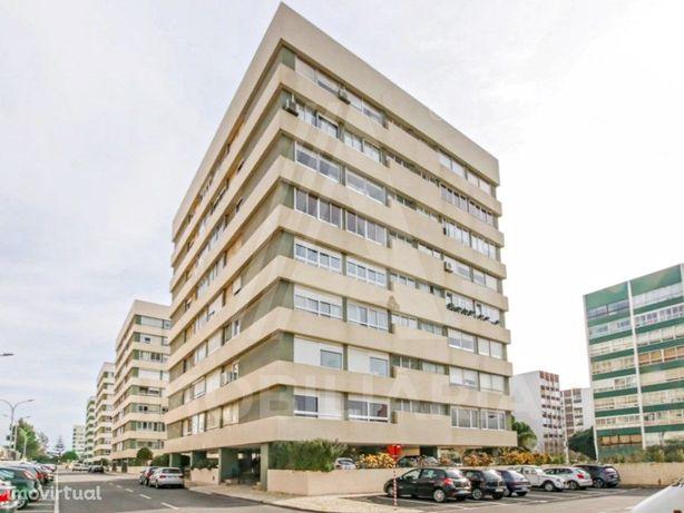 Apartamento T3 em Condomínio Fechado na Quinta do Marquês...