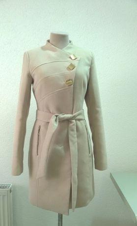 Весеннее пальто 42 размера