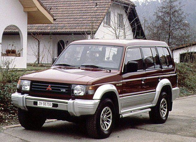 Pajero wagon 2 4м40 2,8 радіатор двигатель пружини мост раздатка кпп