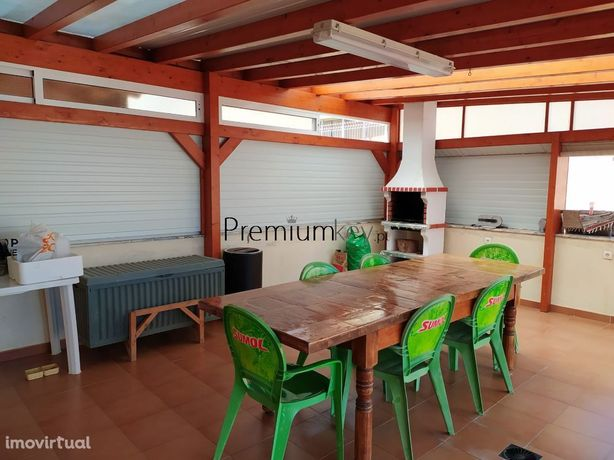 Apartamento T3 com logradouro e garagem em Portimão, Albufeira