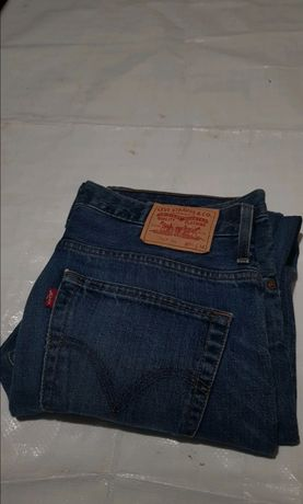 Spodnie Levi's Straight fit