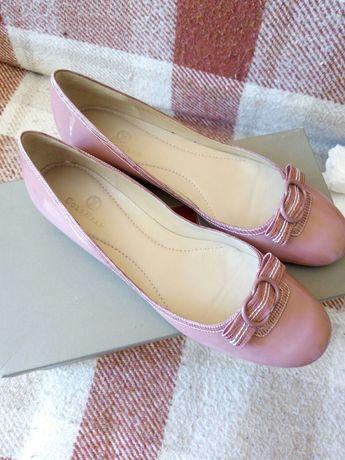 -50%! Новые кожаные брендовые туфли балетки Cole Haan р 9В( наш 39-40)