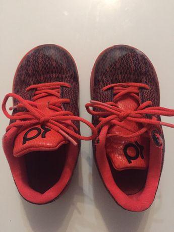 Adidasy firmy Nike, rozm. 25