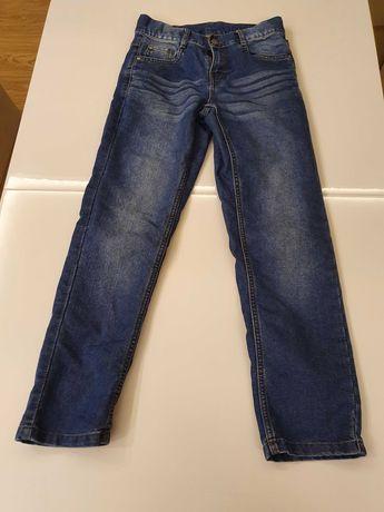 Spodnie chłopięce na 140