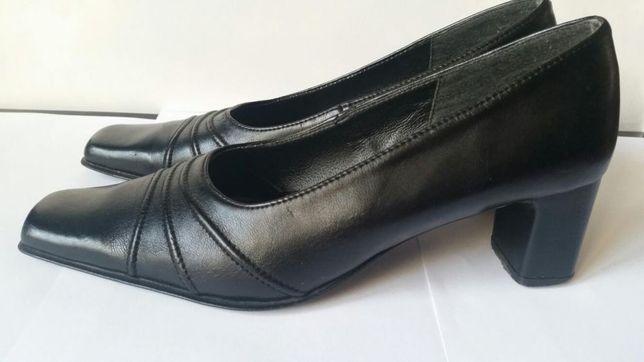 Piękne czarne buty na obcasie Gruby obcas czarne rozmiar 38 botki