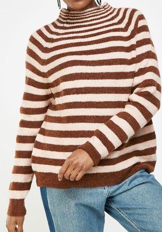 Cieply sweterek w paski