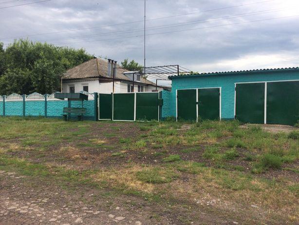 Продам или обменяю частный дом на квартиру в Харькове.