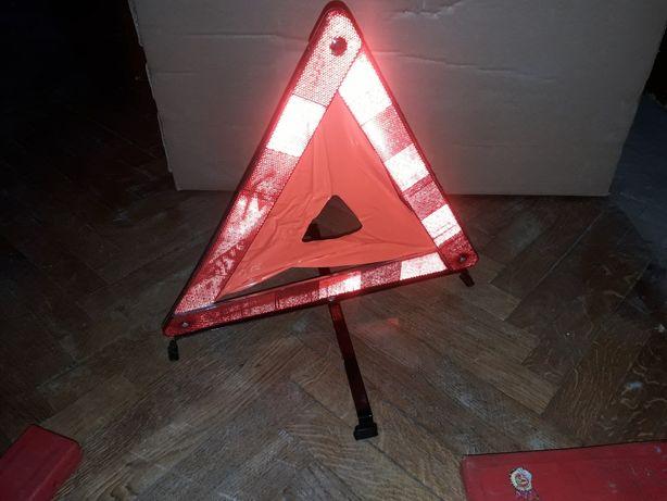 Знак аварийной остановки в чехле