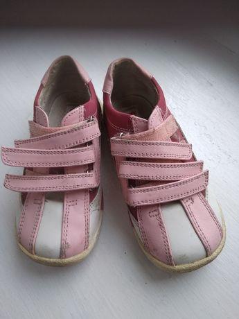 Кроссовки и туфельки из натуральной кожи