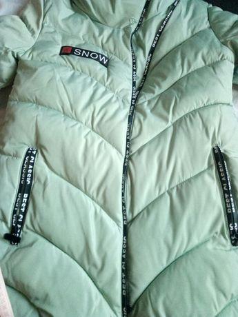Очень теплая курточка размер 170/92.
