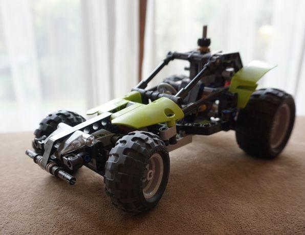 Lego Technic samochód wyścigowy.
