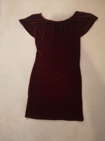 Vestido de veludo cor cereja