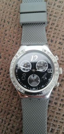 Relógio Swatch usado com bracelete nova