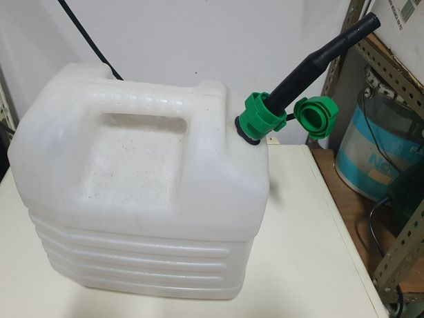 9 bidons 20 e 25 litros * bidão 20/25 litros