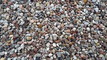 kamień do ogrodu otoczak łamany, czarny bazalt, oczyszczalnie