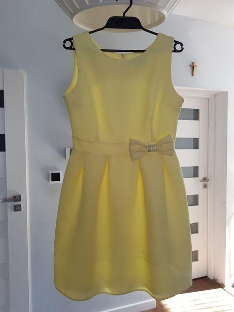 Sukienka         .