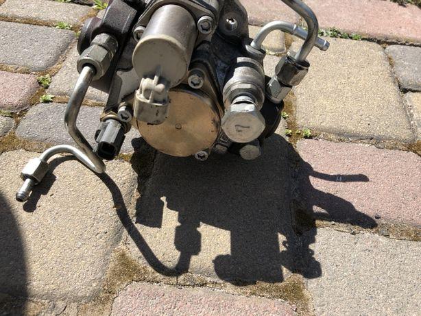 Топливний насос subaru 2.0 дизель 110 кіловат 2010 рік
