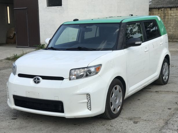 Toyota Scion XB 2013/004 белый