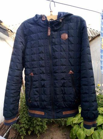 Красивая демисезонная куртка на мальчика 12-13 лет
