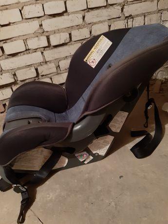 Fotelik samochodowy dla dziecka w bdb stanie