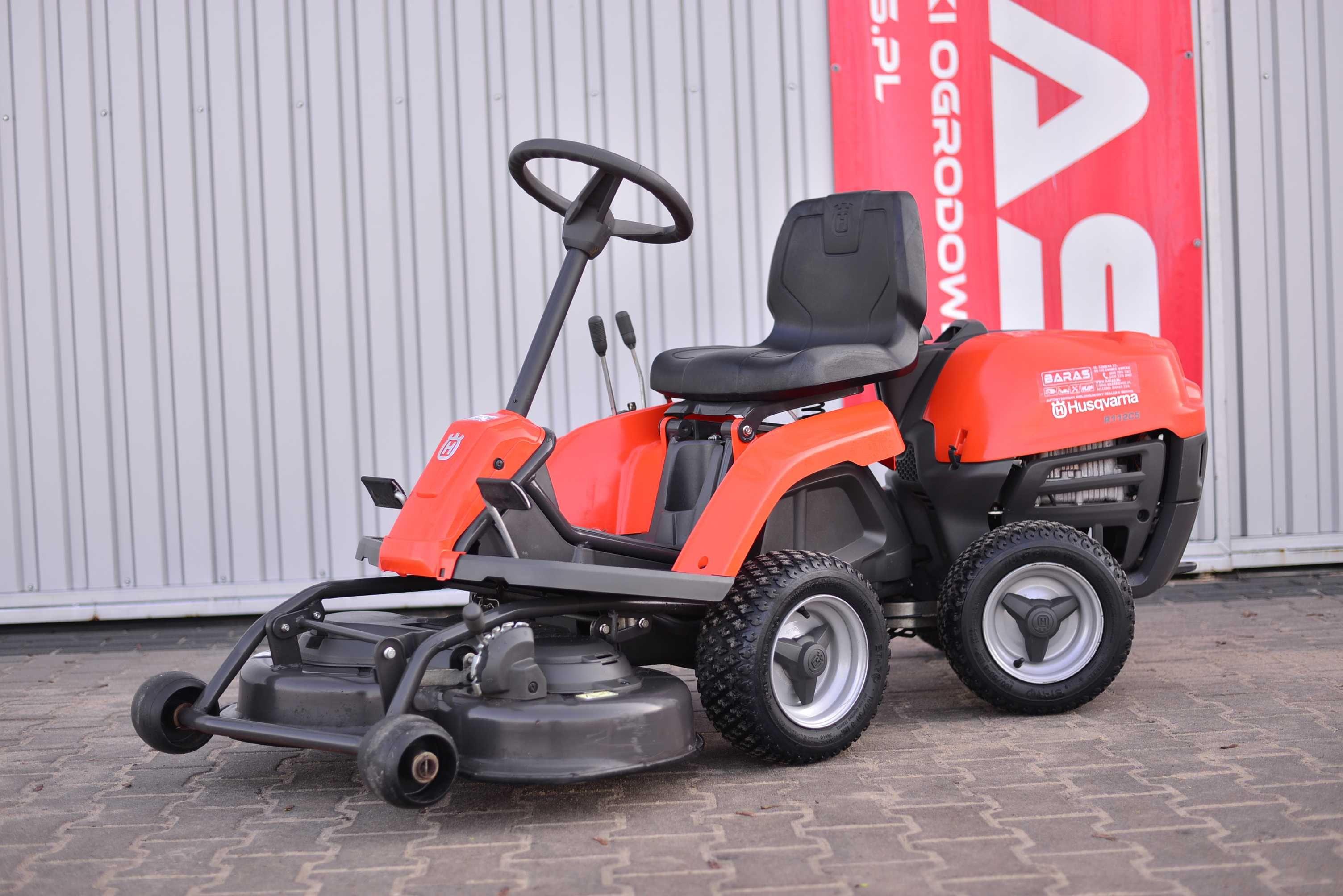 Traktorek kosiarka Husqvarna (200204) - Baras