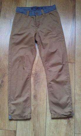 Spodnie chłopięce rozm 140