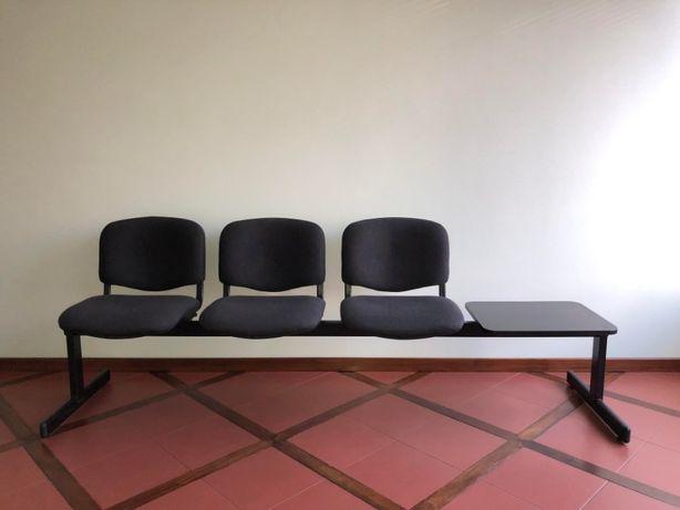 Banco escritório 3 assentos.