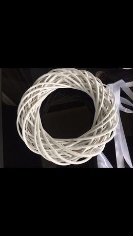 Wianki koła wiklinowe weselne białe 40 cm, 3 sztuki