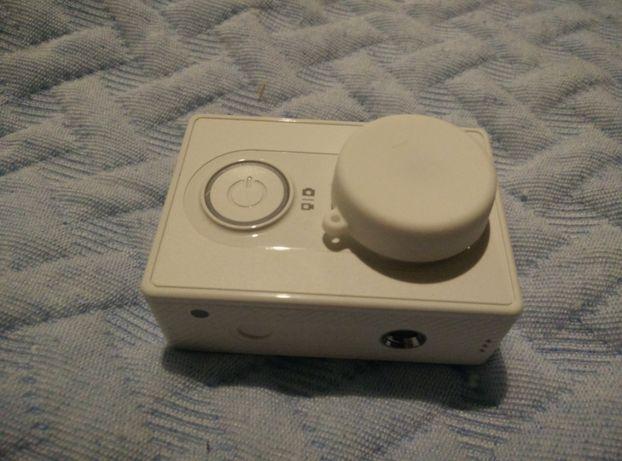 Vendo YI Action Camera como nova com acessorios