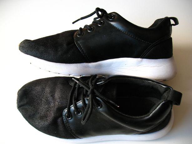 Damskie lekkie, wygodne buty sportowe. Rozmar 37. Wkładka 23,5 cm.