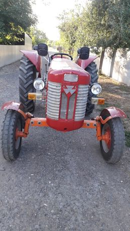 Трактор Масєй Фергюсон 65