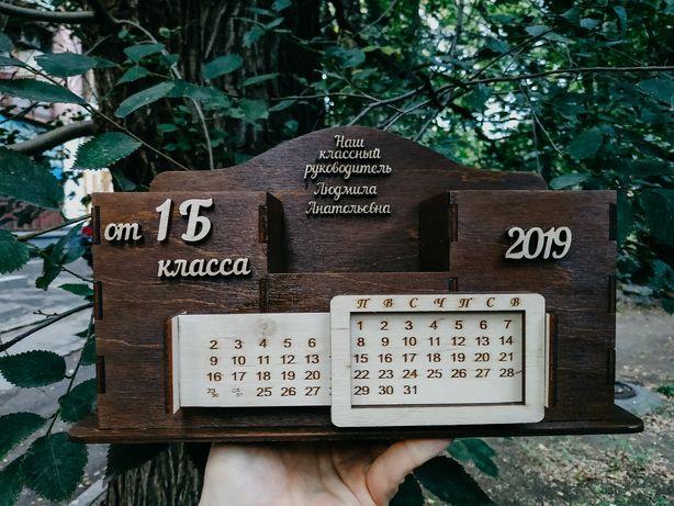 Деревянный органайзер, подставка для канцелярских принадлежностей